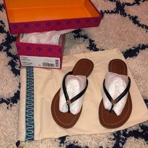 🌸🌼Tory Burch🌸🌼 Terra Flat Logo Thong Sandal